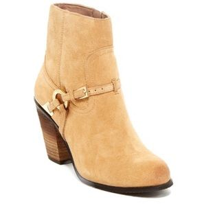 Vince Camuto Gregger Short Boots Tan Suede size 8